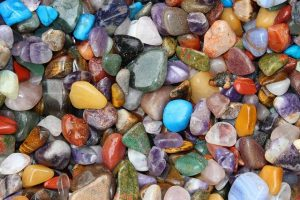 Read more about the article A Beginner's Guide To Introduce Positivity Through Crystals